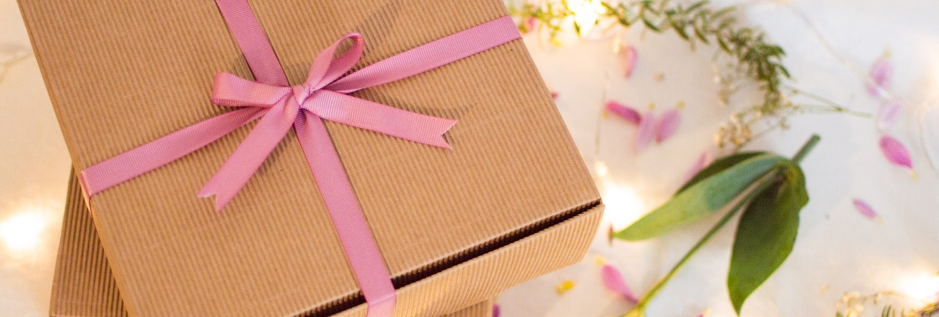 A wonderful lifestyle gift box for pregnancy and motherhood!